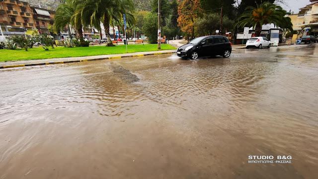 Καταρρακτώδης βροχόπτωση στο Ναύπλιο