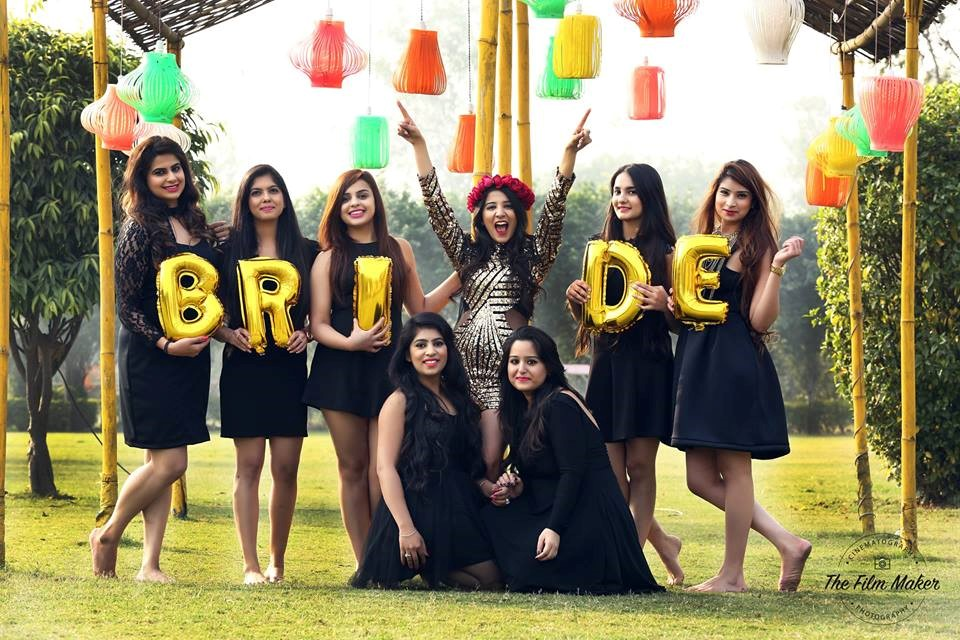 10 Cool Prop Ideas For Your Pre Wedding Shoot