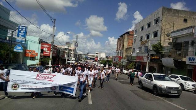 1ª Caminhada do PROERD é realizada em Alagoinhas