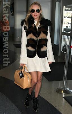 ケイト・ボスワース(Kate Bosworth)は、トッズ(Tod's)のアンクルブーツを着用。