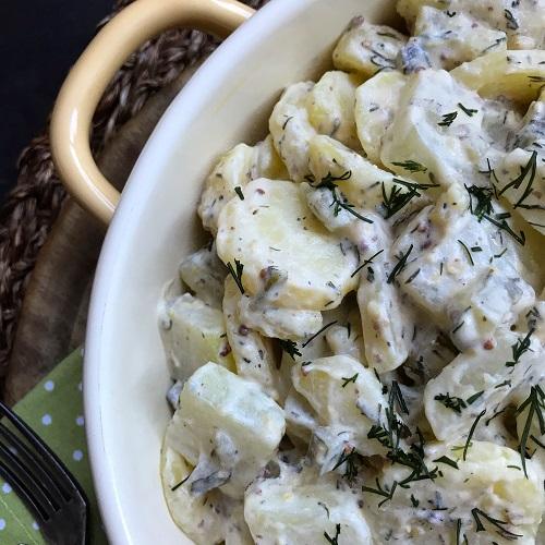lauwarmer Kartoffel-Kohlrabi-Salat mit Schmand-Senfcreme