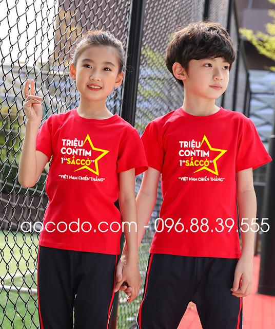 Áo phông cờ đỏ sao vàng cách điệu cho đôi bạn nhỏ