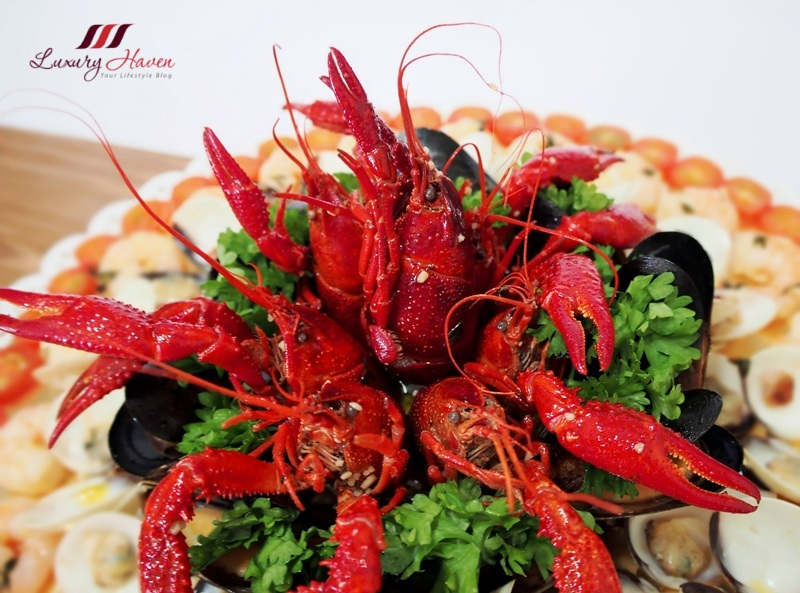 emerald  whole crawfish platter in white wine recipe