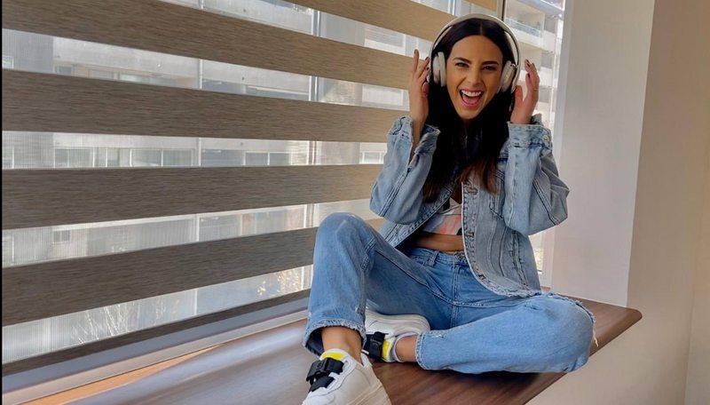 Daniela Castillo muestra su departamento nuevo en videoclip