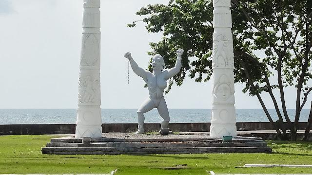 The forbidden Statue to take Photos. Be aware!