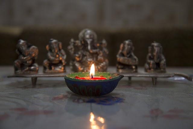 Happy Diwali Wishes in Hindi | Chhoti Diwali Message Shayari | Diwali Short Essay in Hindi