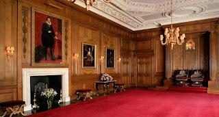 Interior de Holyroodhouse. Sala del Trono.