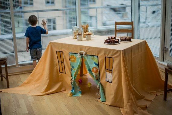 Cabana de toalha de mesa para criançada brincar