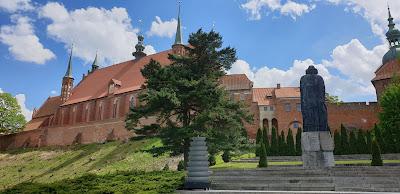 Frombork pomnik Mikołaja Kopernika