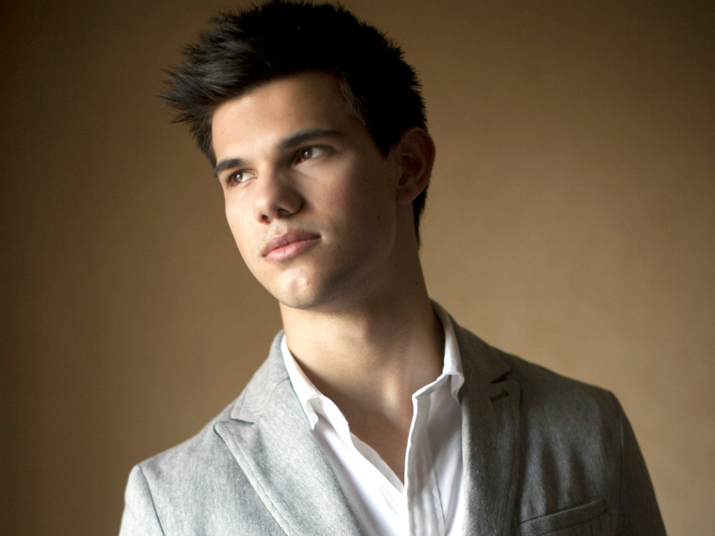 Taylor Lautner New HD Wallpapers 2012-2013