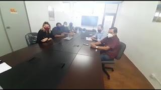 O ex prefeito de Sapé  Zé Feliciano e sua esposa Teresa Carneiro, se reuniu com o secretário Deusdete Queiroga e o Deputado estadual Anísio Maia