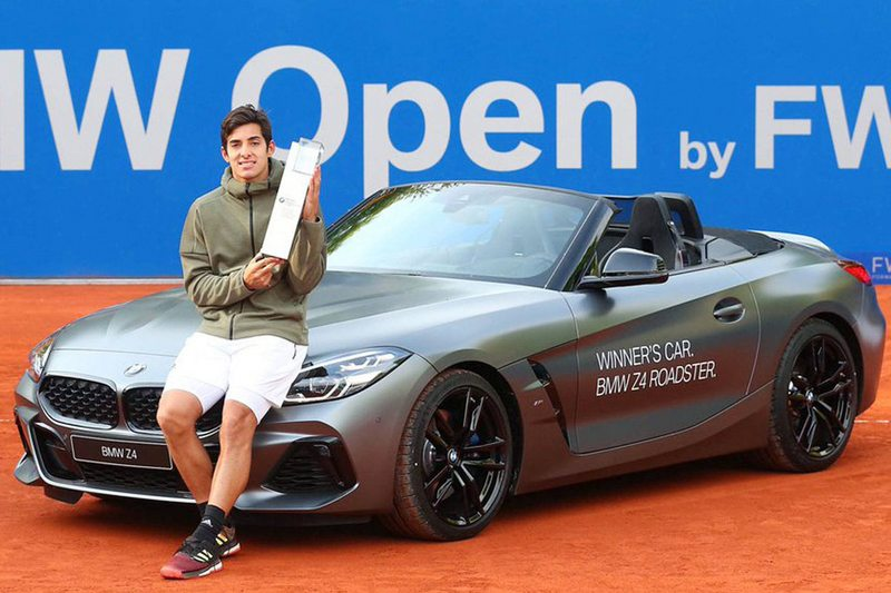 Christian Garin vende su BMW descapotable