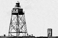 Il faro eretto nel 1867 e sullo sfondo la Torre