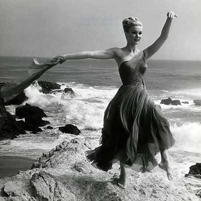 http://gmgallery.tumblr.com/post/138566388088/yvette-mimieux-1960