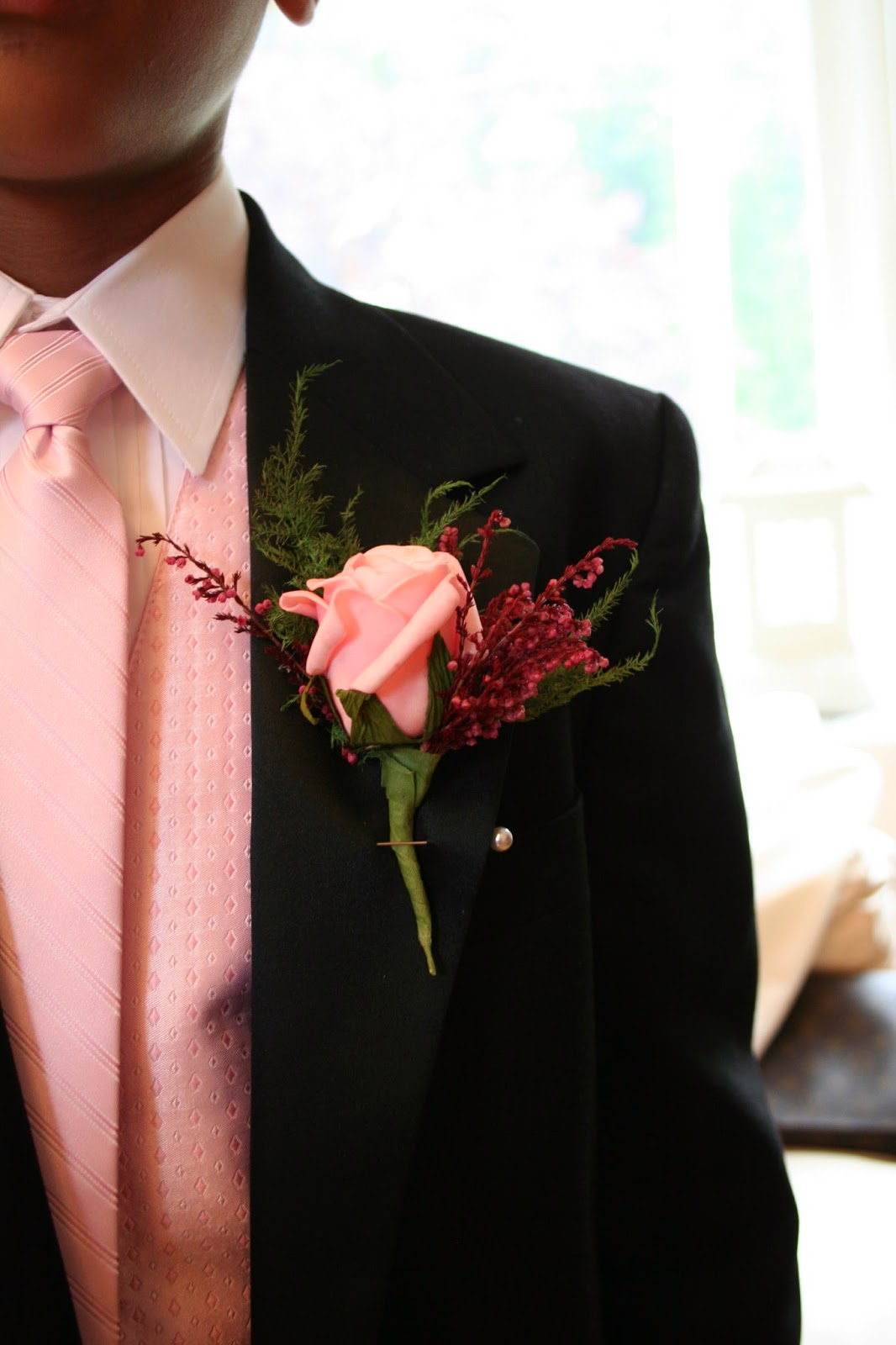 boutonniere rosa