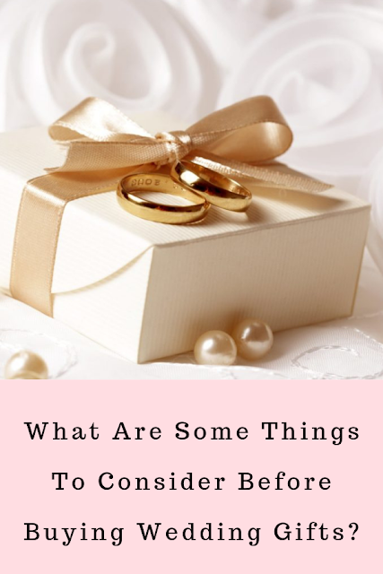 Wedding Soiree Blog by K'Mich, Philadelphia's premier resource for wedding planning and inspiration - gift box with wedding rings - with small gold balls