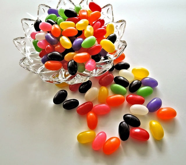Can dogs eat jelly beans, are jelly beans bad for dogs