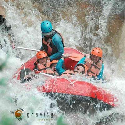 keamanan rafting operator gravity adventure