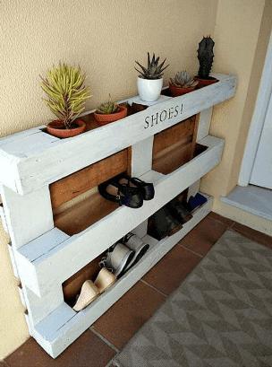 Model rak dinding rumah minimalis