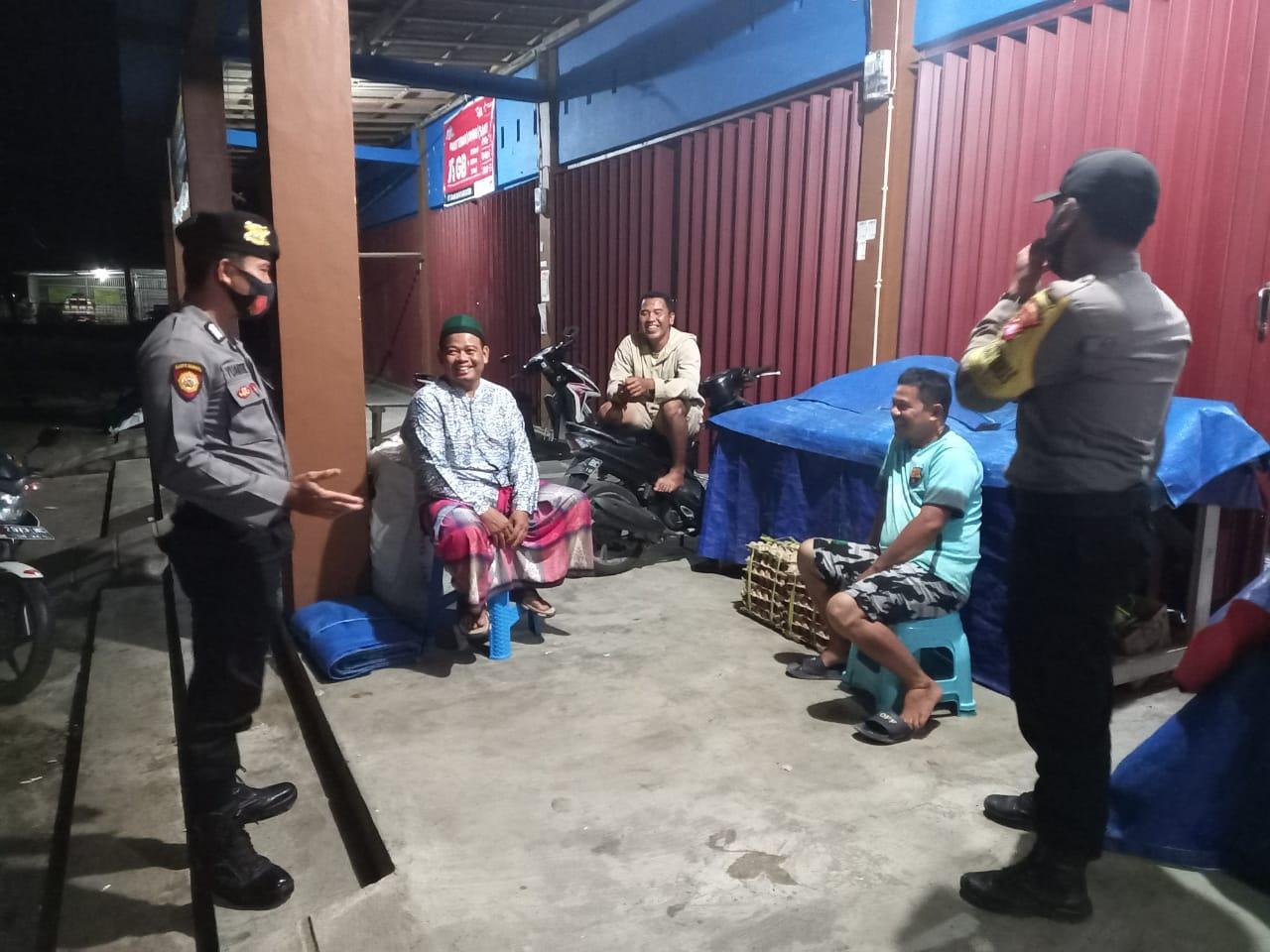 Wujudkan Pilkada Damai, Personel Polsek Maliku Sambangi Tokoh Masyarakat