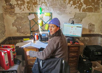 bureau, study, winter in France, impossible to keep warm!