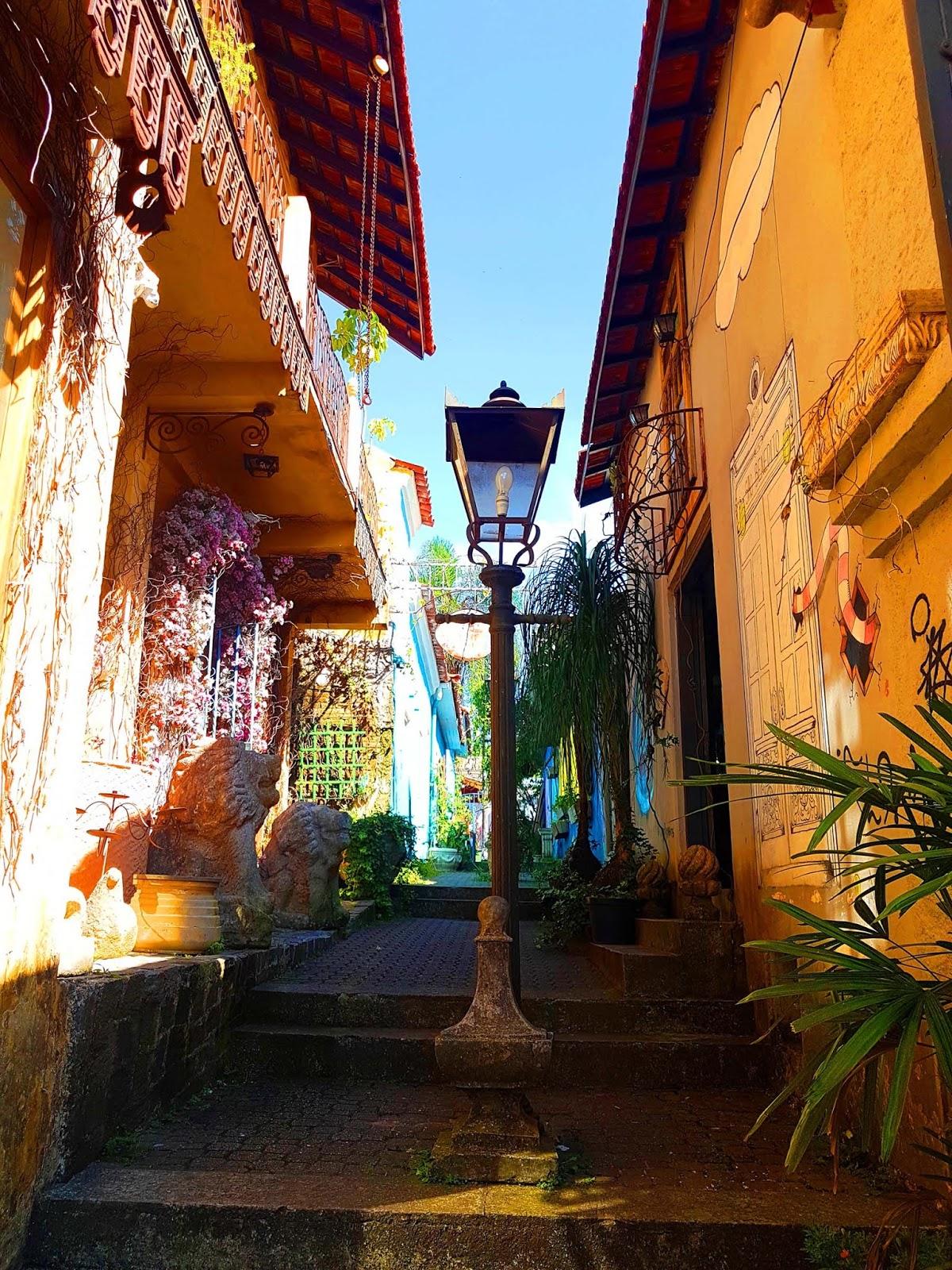10 Passeios bate e volta no Brasil : Embu das Artes