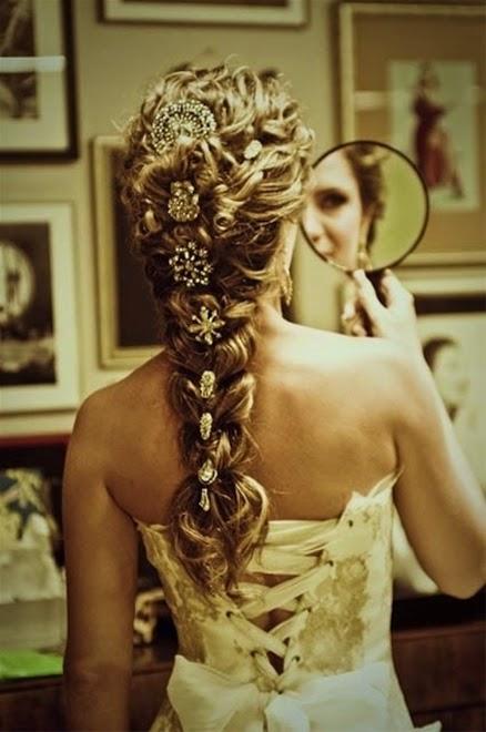 Xu hướng kiểu tóc cô dâu mùa thu 2014 mới lạ và bay bổng3