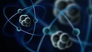 atomo o una particella possono essere in due stati differenti nello stesso istante
