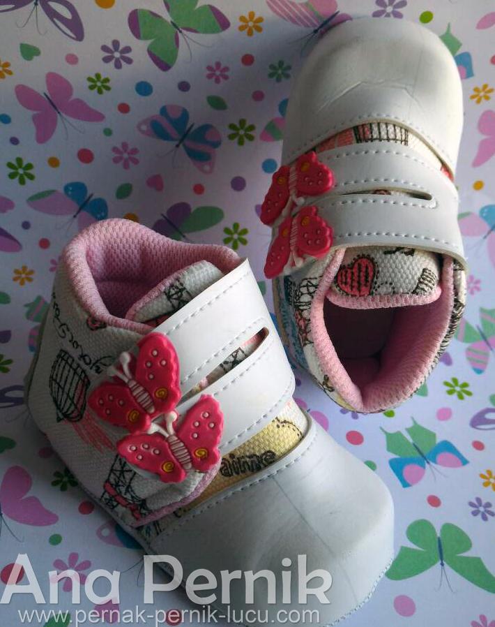 sepatu bayi prewalker; sepatu bayi di bawah satu tahun; sepatu bayi perempuan; sepatu bayi murah; sepatu bayi boots; sepatu bayi perempuan; pernak pernik bayi; baby shoes; baby shoes boots; pernak pernik bay; fashion baby