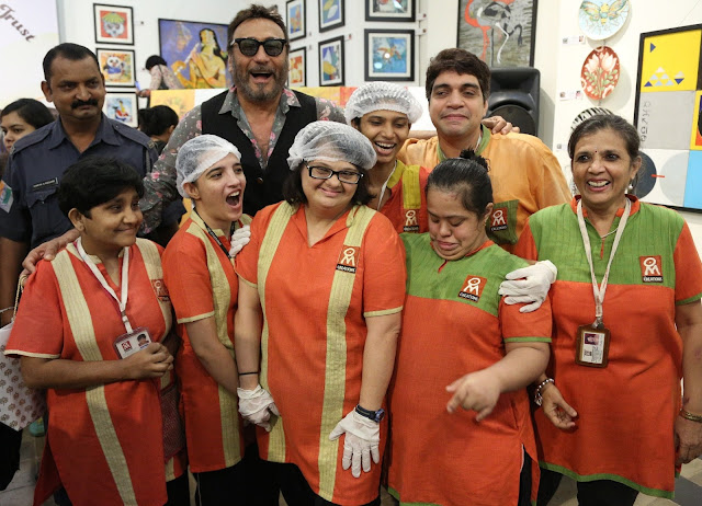Jackie Shroff with specially abled adults of Om Creations during Art Trisomy 21, a 2-day art exhibition_1