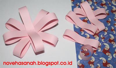 cara membuat bunga dari potongan kertas ini sangat mudah sehingga cocok untuk diajarkan pada anak-anak SD (sekolah dasar) 5