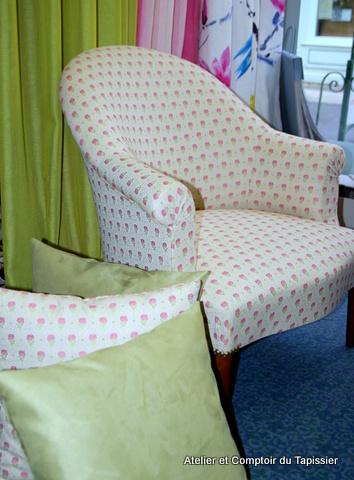 atelier et comptoir du tapissier fauteuils crapauds. Black Bedroom Furniture Sets. Home Design Ideas
