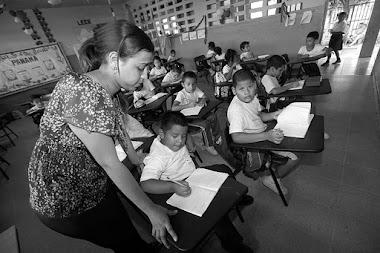 En La Opinion De La Profesora Nelva Reyes Barahona: 1 de diciembre, Día del Maestro panameño