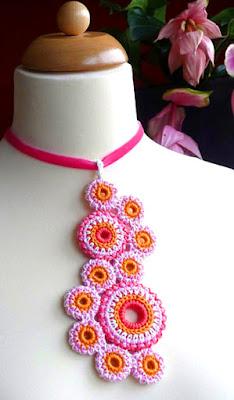 crochet necklace pendant