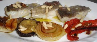 Bacalao confitado con hortalizas a la plancha