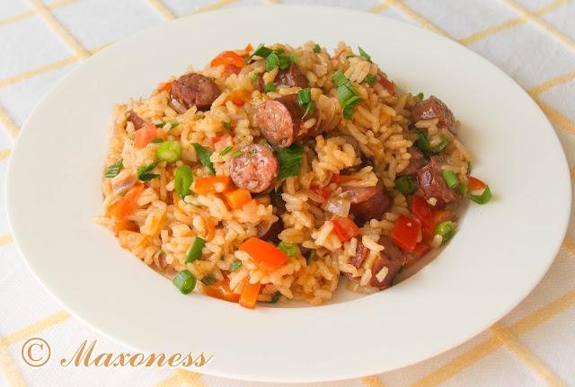Пикантный рис с колбасками от Гордона Рамзи