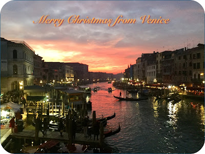 Merry Christmas from Venice - Photo: Cat Bauer
