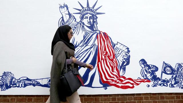L'Iran dévoile des fresques anti-américaines sur les murs de l'ex-ambassade