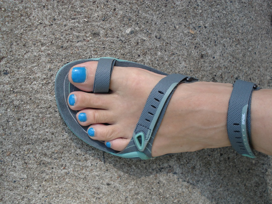 282fd792f Barefoot Angie Bee  Teva Zilch sandal review