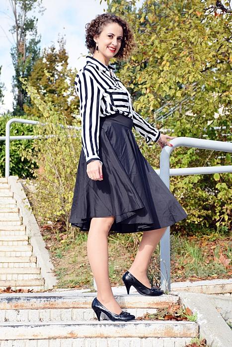 Outfit_falda_cintura_alta_negra_2