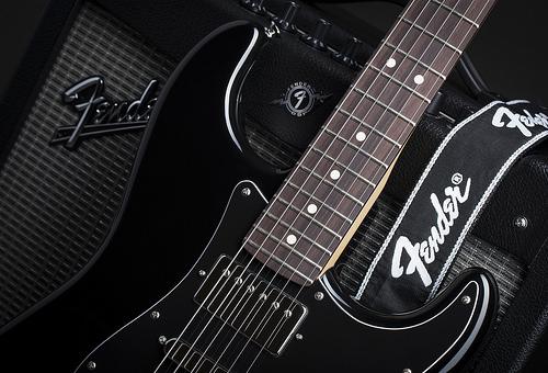đàn guitar fender