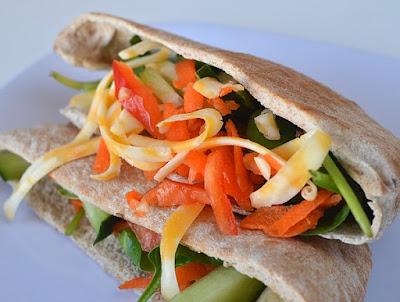 Pan de pita con verduras