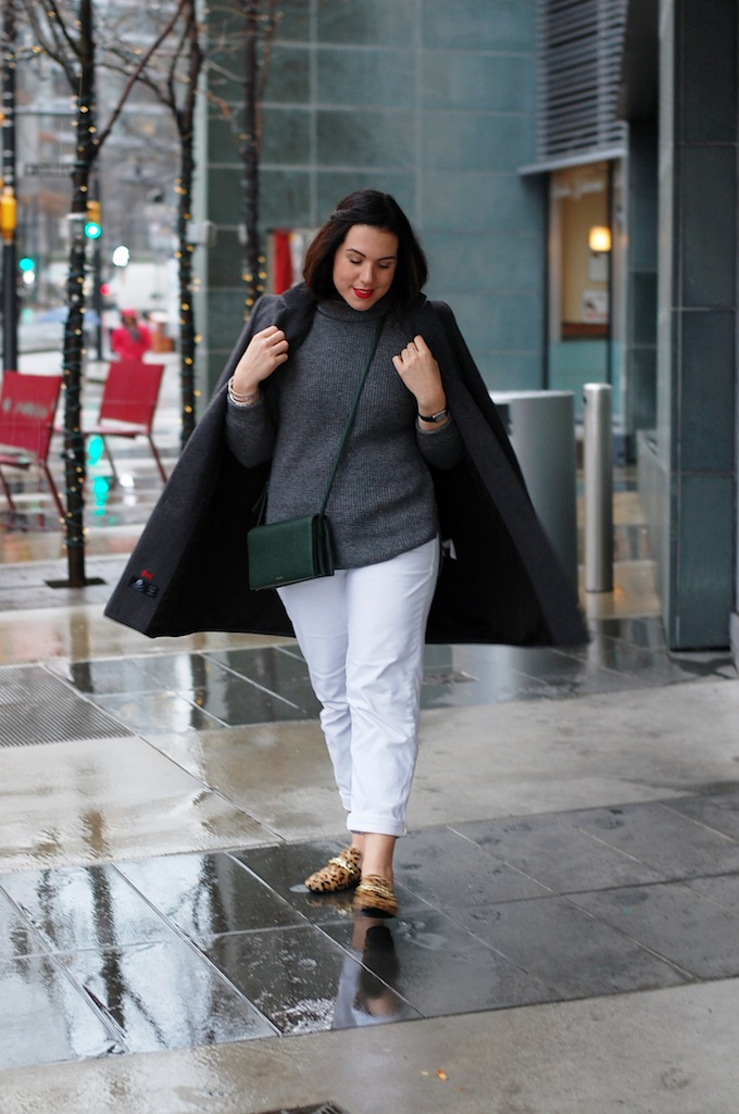 Banana Republic turtleneck sweater white pants outfit Vancouver blogger