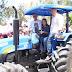 Deputada Mirela Macedo entrega trator para a Associação do Cambuí, em Pé de Serra