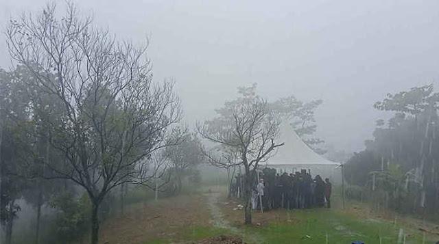 Konpers KLB Moeldoko Diguyur Hujan Deras & Angin Kencang, AA: Kabarnya Kena Sambar Petir