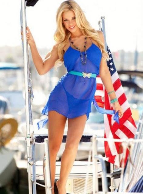 Langhaarige Blondine Jessa Rhodes gibt fantastische blasen auf POV-cam