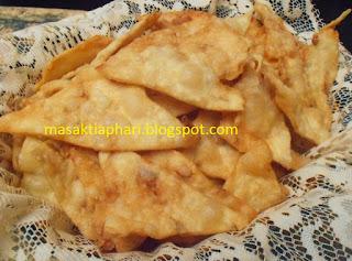 Resep Kue Bawang Pedas Renyah Dan Lezat