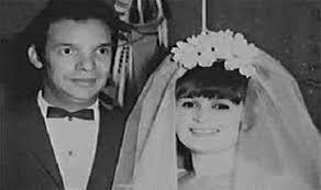 كيف ضرب بدر الدين جمجوم  بزواجه من فنانة مسيحية مثالاً رائعاً في الوحدة الوطنية؟ ولماذا ظلمه الفن رغم كثرة عطائه؟