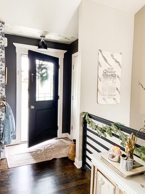 Easy entry way decor