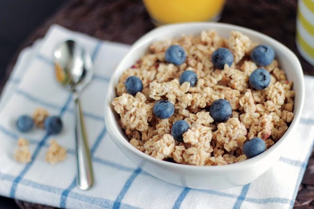 Oats with blueberries